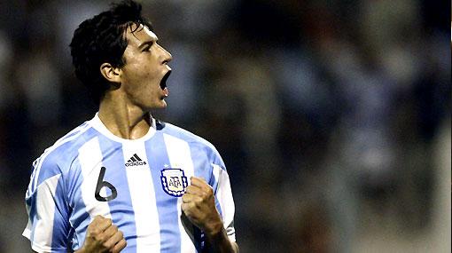 Argentina ganó en el regreso de Maradona al banco, pero siguió dejando dudas
