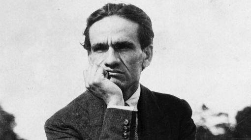 Doce poemas de César Vallejo son traducidos al aimara en Bolivia