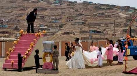 """¿Debe reestrenarse """"La teta asustada"""" en todo el Perú?"""