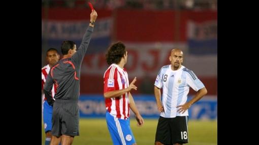 Estudiantes respeta al Aurich, pero le teme al árbitro brasileño Fagundes