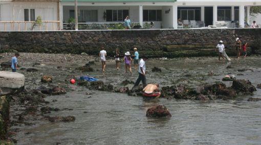 Más fotos ciudadanas del retiro del mar del litoral peruano