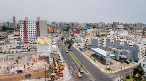 Increíble: Una cuadra de la Av. Bolívar en Pueblo Libre tendrá tres grifos