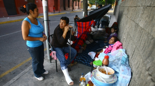 Chile le hace frente a ola de saqueos con toque de queda y pide ayuda internacional