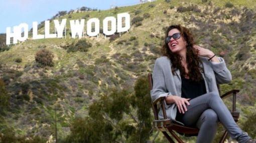 """De postal: Claudia Llosa posó delante del emblemático cartel de """"Hollywood"""""""