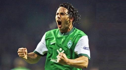 Claudio Pizarro superó a Cubillas y Sotil como mejor futbolista peruano en el exterior