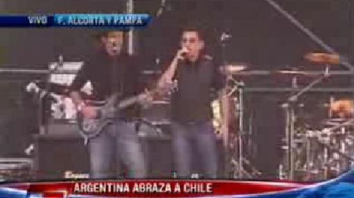Gustavo Cerati y Andrés Calamaro cantaron juntos para ayudar a los damnificados del terremoto en Chile