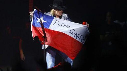 Guns N' Roses enloqueció a sus fans en Chile pese a las más de tres horas de retraso