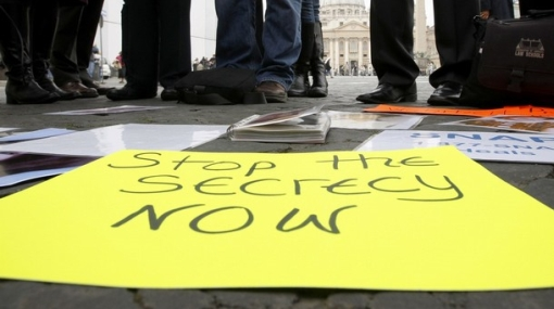 Víctimas de sacerdotes pederastas protestaron delante del Vaticano