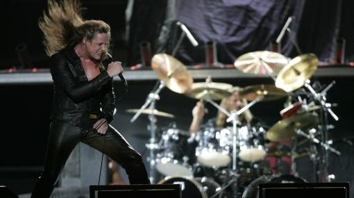 Sebastian Bach calentó el ambiente a la espera de Guns N' Roses