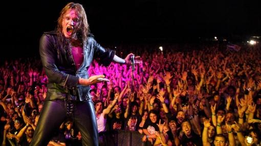 Sebastian Bach vio doble: dijo que cantó en Lima ante 60 mil personas