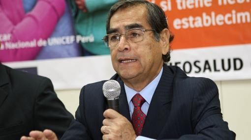 """Ministro Óscar Ugarte: """"Es impertinente que el cardenal Cipriani haya pedido mi renuncia"""""""