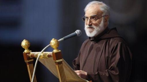 Predicador del Papa comparó acusaciones a la Iglesia con el antisemitismo