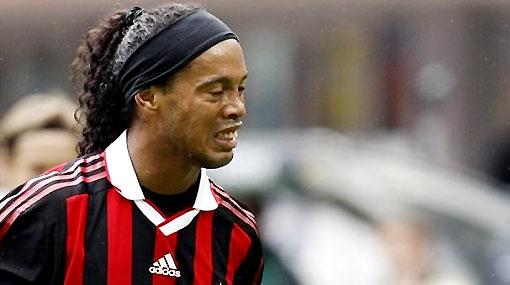 Sigue la polémica sobre Ronaldinho: ¿Debe o no ir al Mundial?