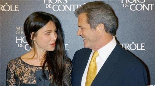 Mel Gibson volvió a la soltería: terminó con su novia rusa