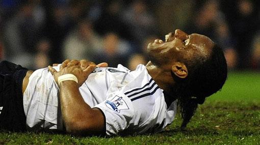 Didier Drogba podría quedar fuera del Mundial por una hernia