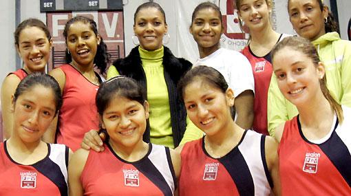 """Cenaida Uribe: """"Ser sede del Mundial impulsará el desarrollo del vóley peruano"""""""