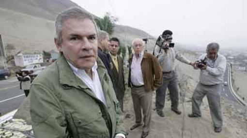 """Alcalde Castañeda Lossio: """"Que (candidatos) vendan menos ilusiones"""""""