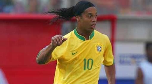 Ronaldinho está seguro de que Dunga lo llevará al Mundial y que alzará la Copa