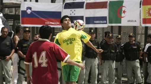 La Copa del Mundo de Sudáfrica ya se vive en el penal Castro Castro