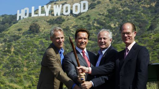 El cartel de Hollywood fue salvado por donantes de renombre