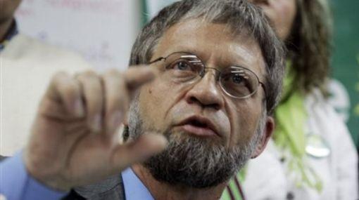 Antanas Mockus se dispara en las encuestas: supera en 9% a su principal rival