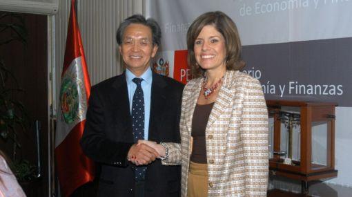 Ministra Aráoz se reunió con presidente de Consejo de Desarrollo Comercial de Hong Kong