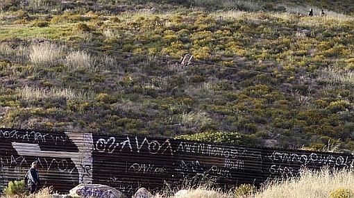 Sigue la polémica: arrestan a 105 indocumentados en frontera de Arizona