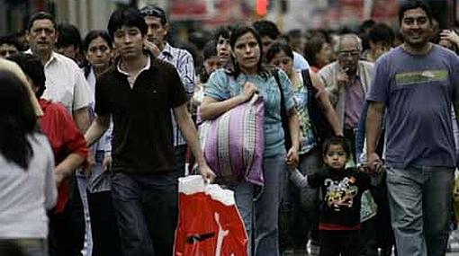 Solo el 30% de limeños cuenta con beneficios sociales en sus empleos