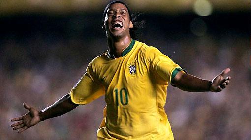 Una esperanza para Ronaldinho: Dunga piensa en él para la Copa del Mundo
