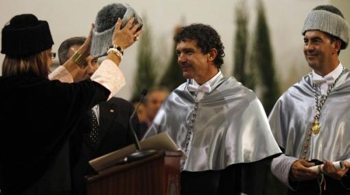 Antonio Banderas dirigirá a su esposa Melanie Griffith en una serie de TV