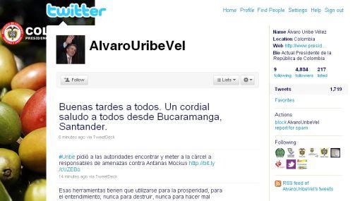 Álvaro Uribe siguió a Hugo Chávez y se creó una cuenta personal en Twitter
