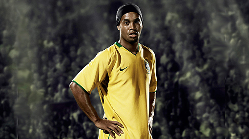 La hora de la verdad: Ronaldinho sabrá mañana si irá a Sudáfrica 2010