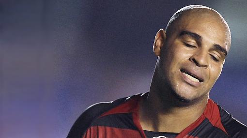 Adriano lloró tras quedar fuera del Mundial, mientras que Lula apoyó a Dunga