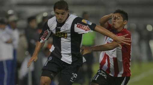 Alianza Lima le abre las puertas a Aldo Corzo para el regreso en julio