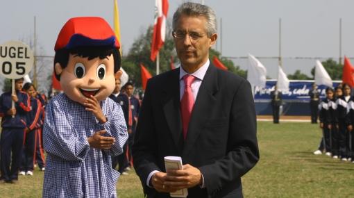 Fernando Andrade prometió que en Lima no habrán más rejas en las calles por delincuencia