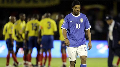 Resentido con Dunga: Ronaldinho confesó que no verá el Mundial ni por TV