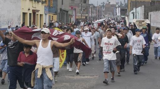 Un menor quedó herido en pelea entre 300 barristas en San Miguel