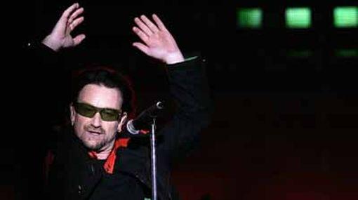 Bono de U2 sufrió parálisis parcial en una de sus piernas