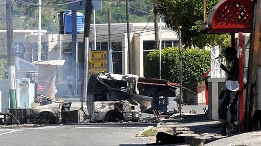 Sube a 44 el número de civiles muertos en Jamaica por búsqueda de narcotraficante