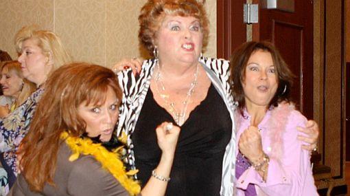 Vea a las Chicas Glow en su reencuentro casi 15 años después