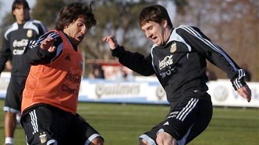 Camisetas argentinas: Tevez será 'Carlitos' y Messi... simplemente Messi