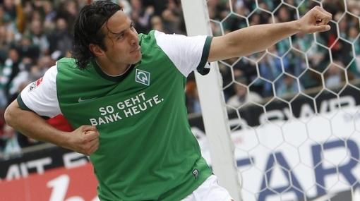 Claudio Pizarro quedó descartado para el debut de Werder Bremen en la Liga de Campeones