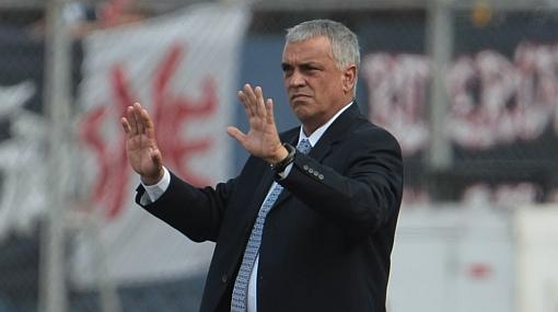 Quiere Copa como sea: la 'U' pidió que le quiten puntos a Alianza por deuda con Páez