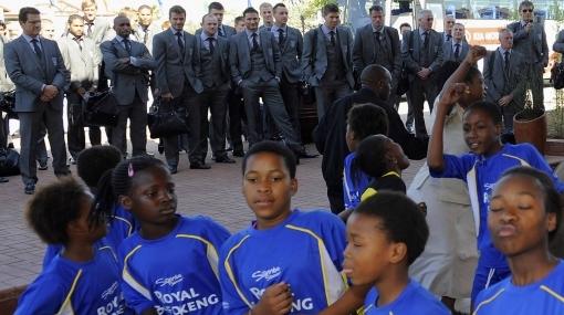 Selección inglesa llegó a Sudáfrica con una buena noticia: Capello será su entrenador hasta el 2012