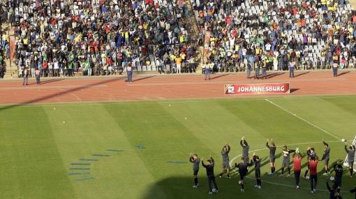 Brasil llena estadio antes del Mundial: 10 mil personas fueron a ver entrenar al 'scratch'