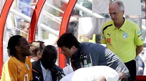 """DT de Costa de Marfil espera el milagro: """"Drogba tiene una posibilidad de ir al Mundial"""""""
