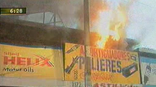 Incendio en La Victoria arrasó con tres tiendas