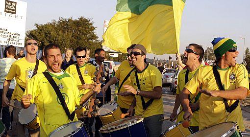 Galería: Robinho y sus locuras en la práctica brasileña