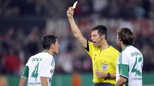 El árbitro del Argentina-Nigeria prometió proteger a Lionel Messi