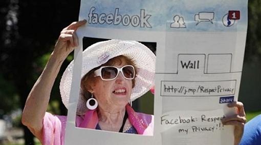 Las redes sociales son cada vez más populares entre personas mayores de 50 años